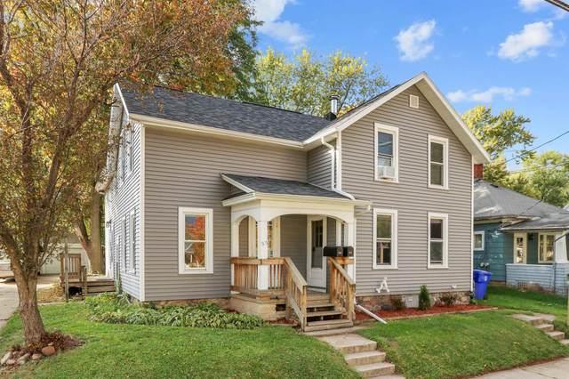 515 N State Street, Appleton, WI 54911 (#50250012) :: Todd Wiese Homeselling System, Inc.