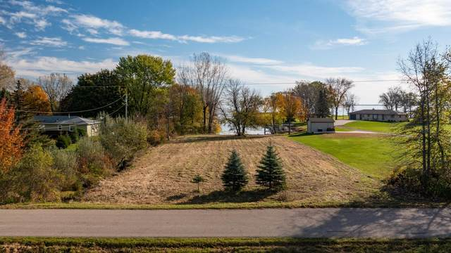 35TH Avenue, Fremont, WI 54940 (#50250019) :: Todd Wiese Homeselling System, Inc.