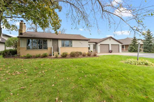 2210 Lost Dauphin Road, De Pere, WI 54115 (#50250043) :: Todd Wiese Homeselling System, Inc.