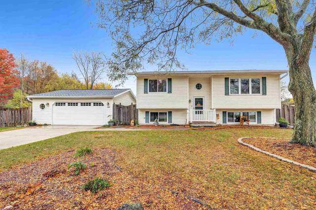 2247 Smithville Road, Green Bay, WI 54313 (#50250048) :: Dallaire Realty