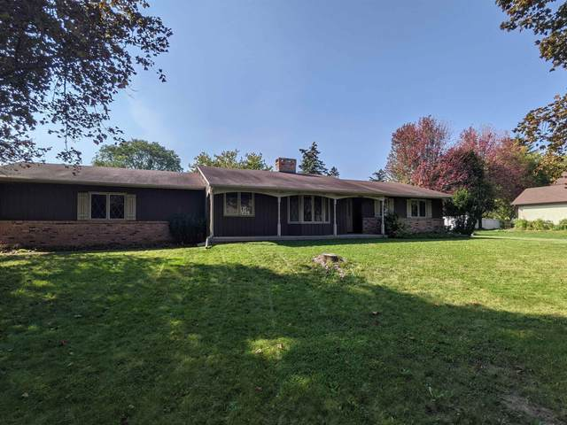 19 S Sunny Slope Court, Appleton, WI 54914 (#50250059) :: Todd Wiese Homeselling System, Inc.