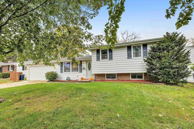 325 Floral Drive, Green Bay, WI 54301 (#50250061) :: Todd Wiese Homeselling System, Inc.