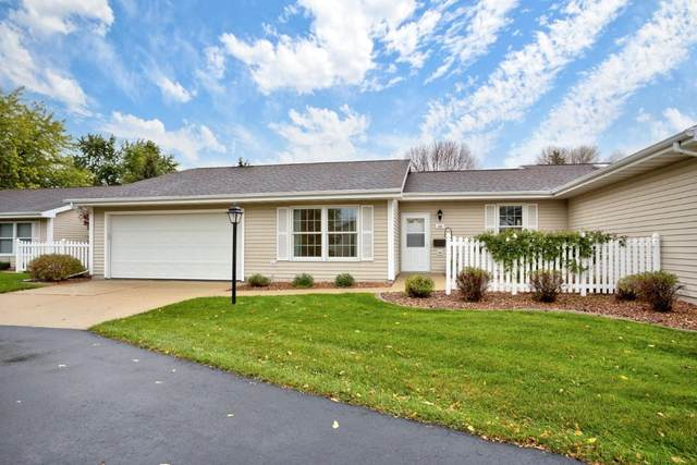 52 Fiesta Court D, Appleton, WI 54911 (#50250069) :: Todd Wiese Homeselling System, Inc.