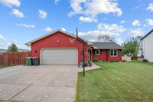 652 Windmill Drive, Kimberly, WI 54136 (#50250082) :: Dallaire Realty
