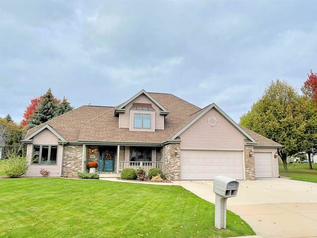 1215 Hazelwood Court, Neenah, WI 54956 (#50250084) :: Dallaire Realty