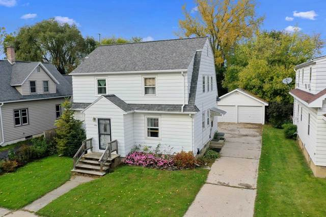 1561 Elm Street, Green Bay, WI 54302 (#50250087) :: Todd Wiese Homeselling System, Inc.