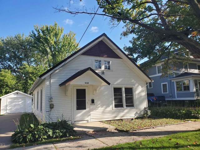 815 S Clay Street, Green Bay, WI 54301 (#50250089) :: Todd Wiese Homeselling System, Inc.