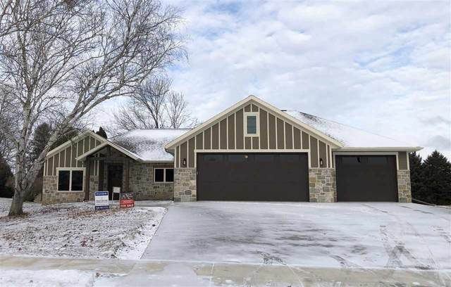 5742 W Spencer Street, Appleton, WI 54914 (#50209281) :: Todd Wiese Homeselling System, Inc.