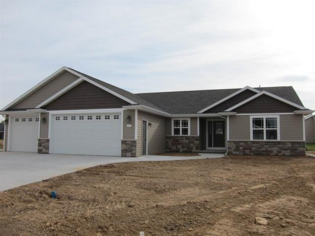 2053 Arrow Court, Appleton, WI 54913 (#50191561) :: Todd Wiese Homeselling System, Inc.