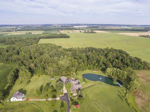 6953 Shanty Road, Greenleaf, WI 54126 (#50169151) :: Dallaire Realty