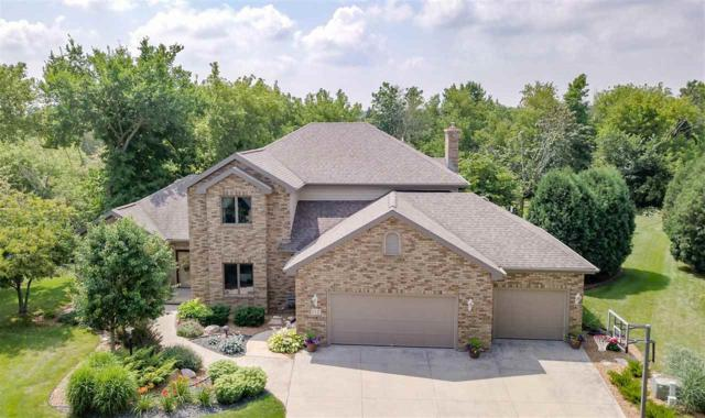 112 Shalimar Court, Combined Locks, WI 54113 (#50171756) :: Dallaire Realty