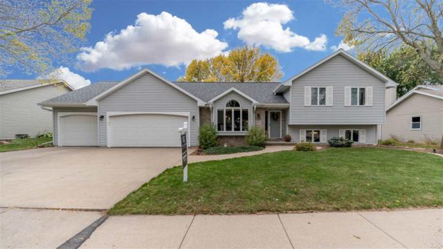 2207 S Matthias Street, Appleton, WI 54915 (#50173229) :: Todd Wiese Homeselling System, Inc.