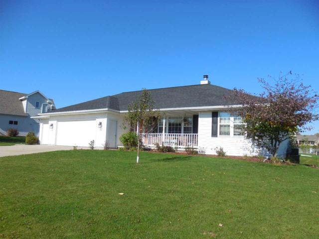 352 Brookview Drive, Luxemburg, WI 54217 (#50173492) :: Todd Wiese Homeselling System, Inc.