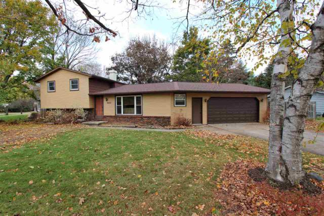 2411 Nicole Ann Circle, Green Bay, WI 54311 (#50174077) :: Dallaire Realty