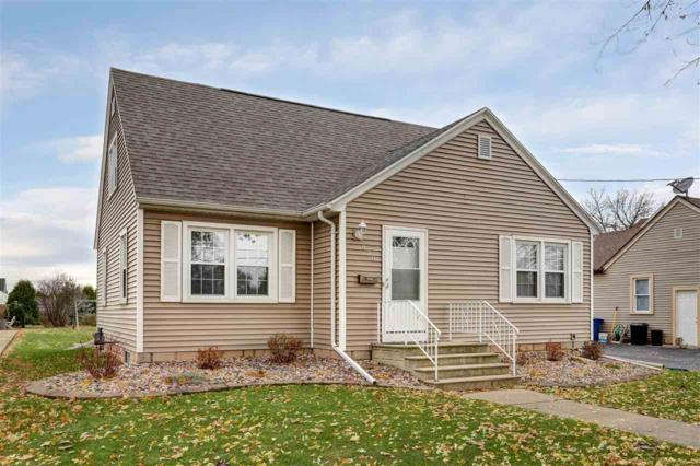 820 Appleton Street, Menasha, WI 54952 (#50174825) :: Dallaire Realty