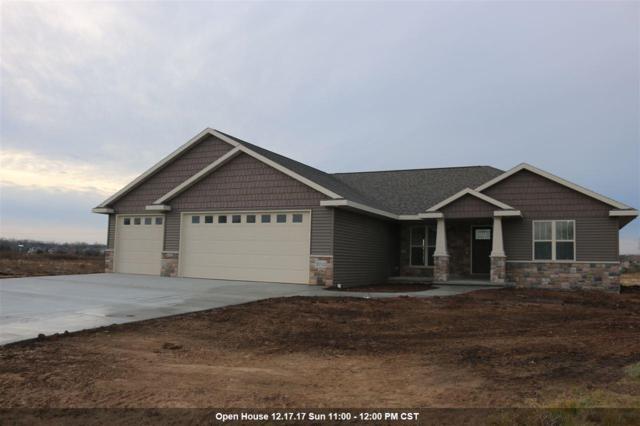 2712 Fallen Oak Drive, Appleton, WI 54913 (#50175330) :: Todd Wiese Homeselling System, Inc.