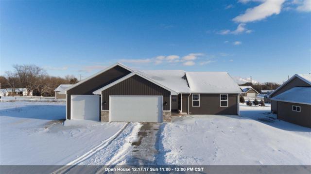 880 Rusty Court, Kaukauna, WI 54130 (#50175631) :: Todd Wiese Homeselling System, Inc.