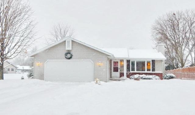 2442 Golden Meadow Drive, Green Bay, WI 54311 (#50175636) :: Todd Wiese Homeselling System, Inc.