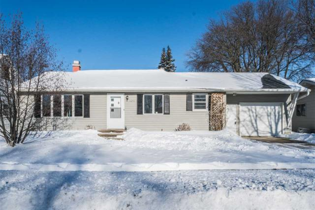1651 Debra Lane, Green Bay, WI 54302 (#50175662) :: Todd Wiese Homeselling System, Inc.