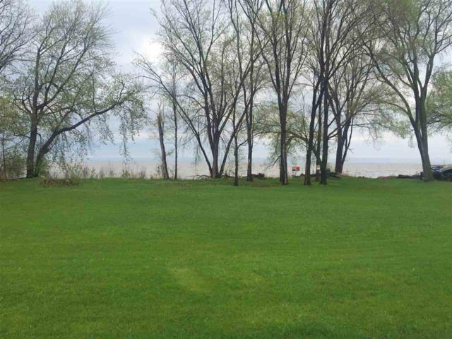 N7967 Lakeshore Drive, Fond Du Lac, WI 54937 (#50176469) :: Todd Wiese Homeselling System, Inc.