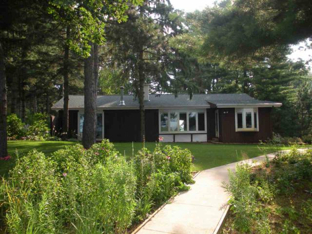 E1977 Hoffman Lane, Iola, WI 54945 (#50177284) :: Dallaire Realty