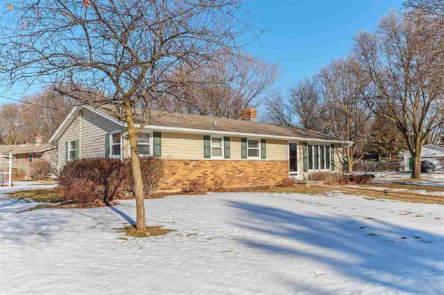 2674 Pioneer Drive, Green Bay, WI 54313 (#50177810) :: Dallaire Realty