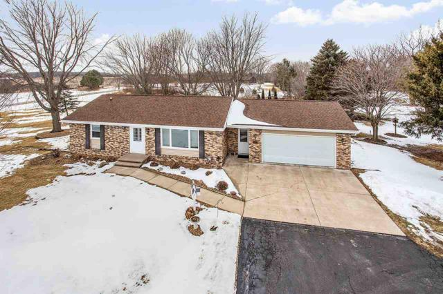 N1375 Julius Drive, Greenville, WI 54942 (#50177819) :: Dallaire Realty