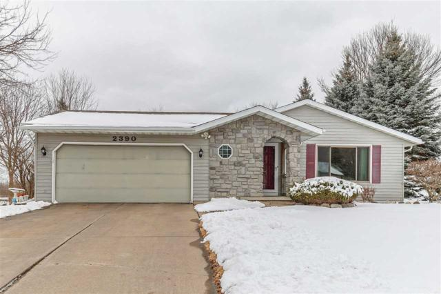 2390 East Ridge Terrace, Green Bay, WI 54311 (#50178869) :: Todd Wiese Homeselling System, Inc.