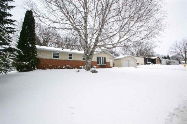 1386 Glen Road, Green Bay, WI 54313 (#50178870) :: Todd Wiese Homeselling System, Inc.