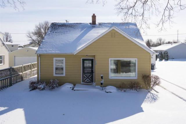 233 S Joseph Street, Kimberly, WI 54136 (#50180442) :: Dallaire Realty