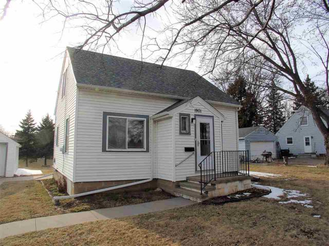 1901 S Van Dyke Road, Appleton, WI 54914 (#50180809) :: Dallaire Realty