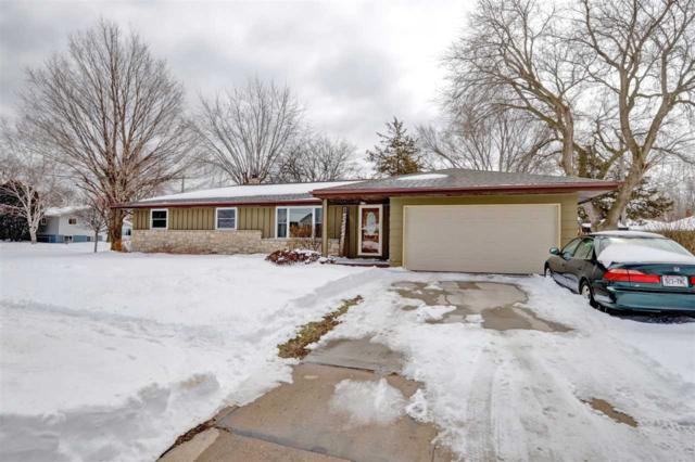 204 Stanley Street, Neenah, WI 54956 (#50181393) :: Dallaire Realty
