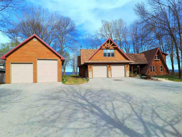 2772 Kunzer Beach Lane, Little Suamico, WI 54141 (#50181733) :: Symes Realty, LLC
