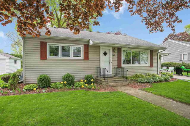 202 Wisconsin Avenue, Brillion, WI 54110 (#50183443) :: Symes Realty, LLC