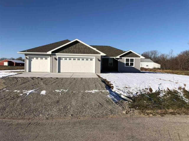 907 Tanglewood Drive, Little Suamico, WI 54141 (#50183757) :: Dallaire Realty
