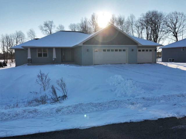 1000 Tanglewood Drive, Little Suamico, WI 54141 (#50183789) :: Dallaire Realty