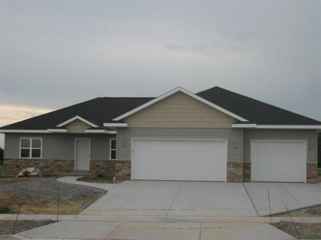 1715 Red Oak Street, Green Bay, WI 54313 (#50184038) :: Dallaire Realty