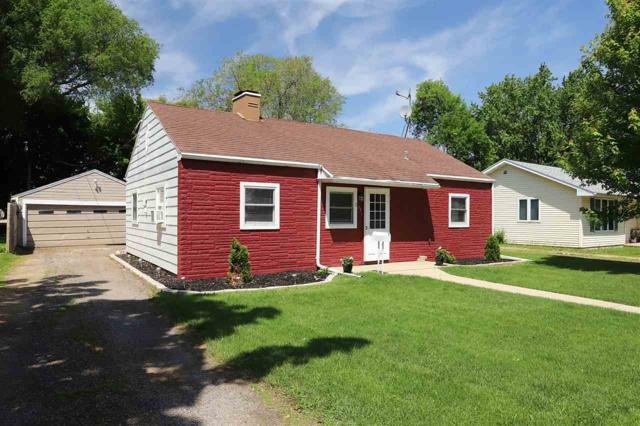 853 Maple Street, Neenah, WI 54956 (#50185042) :: Dallaire Realty