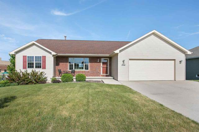 1914 Golden Bell Drive, Green Bay, WI 54313 (#50185098) :: Symes Realty, LLC