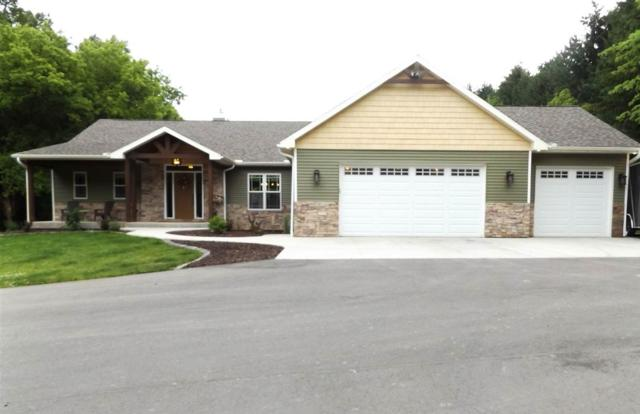 W8554 School Road, Hortonville, WI 54944 (#50185837) :: Todd Wiese Homeselling System, Inc.