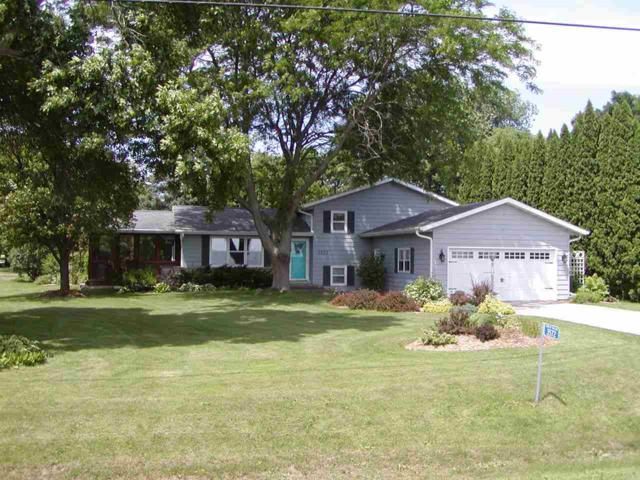 3572 Brooks Road, Oshkosh, WI 54904 (#50185999) :: Dallaire Realty