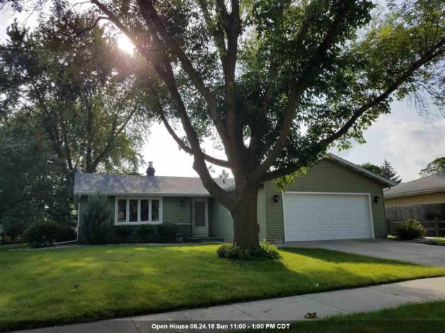 1325 Wild Rose Lane, Neenah, WI 54956 (#50186077) :: Dallaire Realty