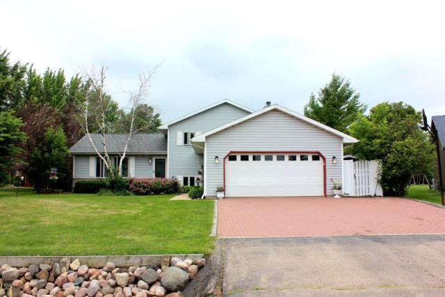 1229 Snowdon Drive, Oshkosh, WI 54904 (#50186492) :: Todd Wiese Homeselling System, Inc.