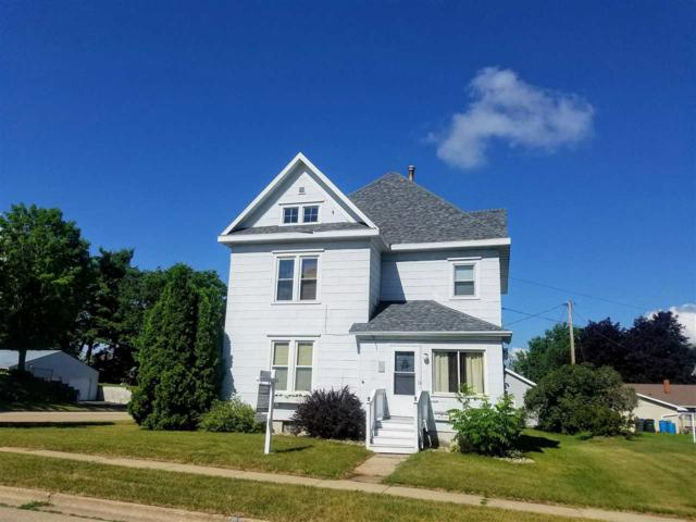 1013 S Pearl Street, New London, WI 54961 (#50186859) :: Todd Wiese Homeselling System, Inc.