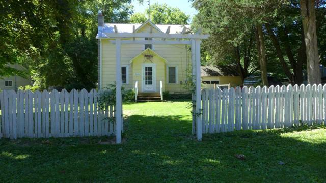 1026 Evans Street, Waupaca, WI 54981 (#50186956) :: Todd Wiese Homeselling System, Inc.