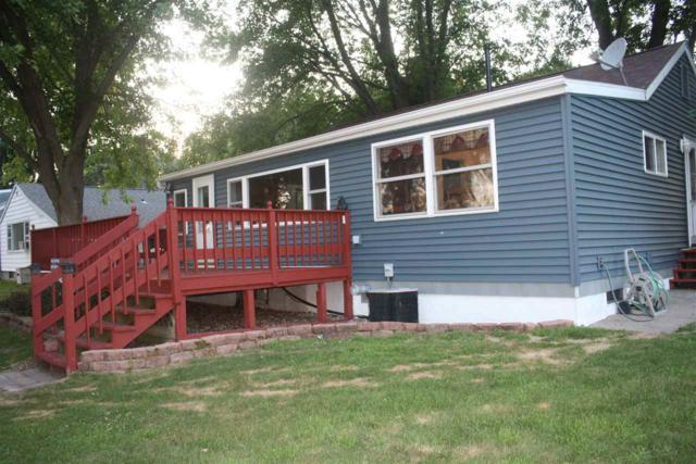 7768 Bay Lane, Fremont, WI 54940 (#50187159) :: Todd Wiese Homeselling System, Inc.