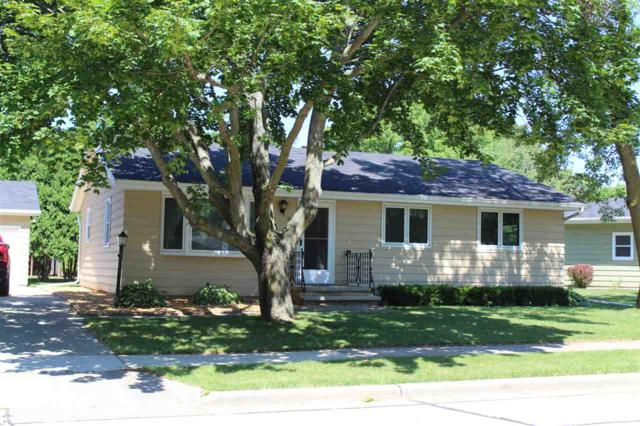 1801 Sherry Lane, Kaukauna, WI 54130 (#50187258) :: Todd Wiese Homeselling System, Inc.