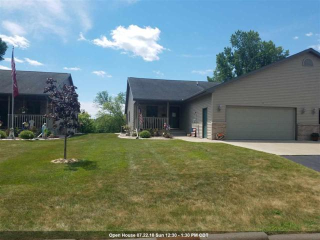 112 E North Water Street, New London, WI 54961 (#50187350) :: Todd Wiese Homeselling System, Inc.