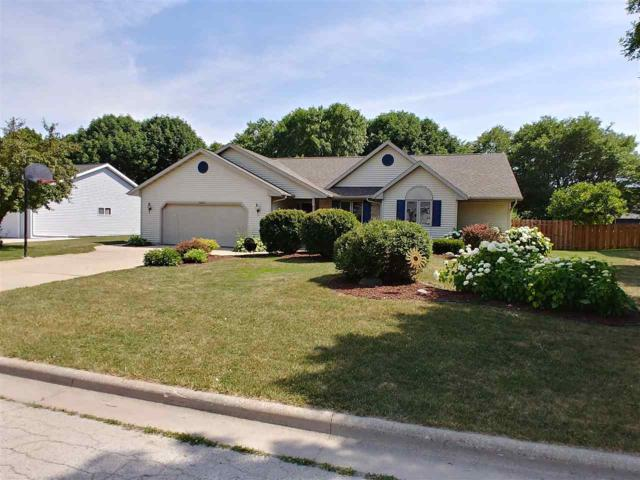 3063 Mercedes Drive, Green Bay, WI 54313 (#50187442) :: Symes Realty, LLC