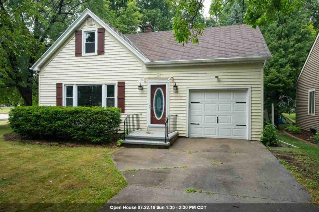 100 Courtney Court, Neenah, WI 54956 (#50187561) :: Todd Wiese Homeselling System, Inc.